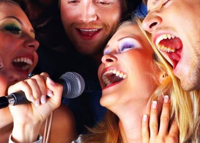 Karaoke est lightos vacsorával Budapesten