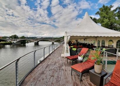 3 napos luxusnyaralás reggelivel 2 főnek Prágában