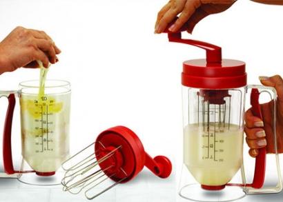 Kézi tésztakeverő és adagoló 800 ml-es tartállyal