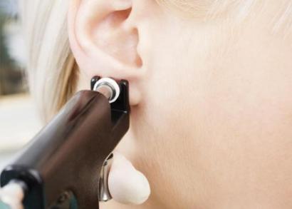 Fülbelövés a Nyugati közelében + egy pár fülbevaló