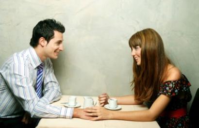 randevú valakit a hiteden kívül